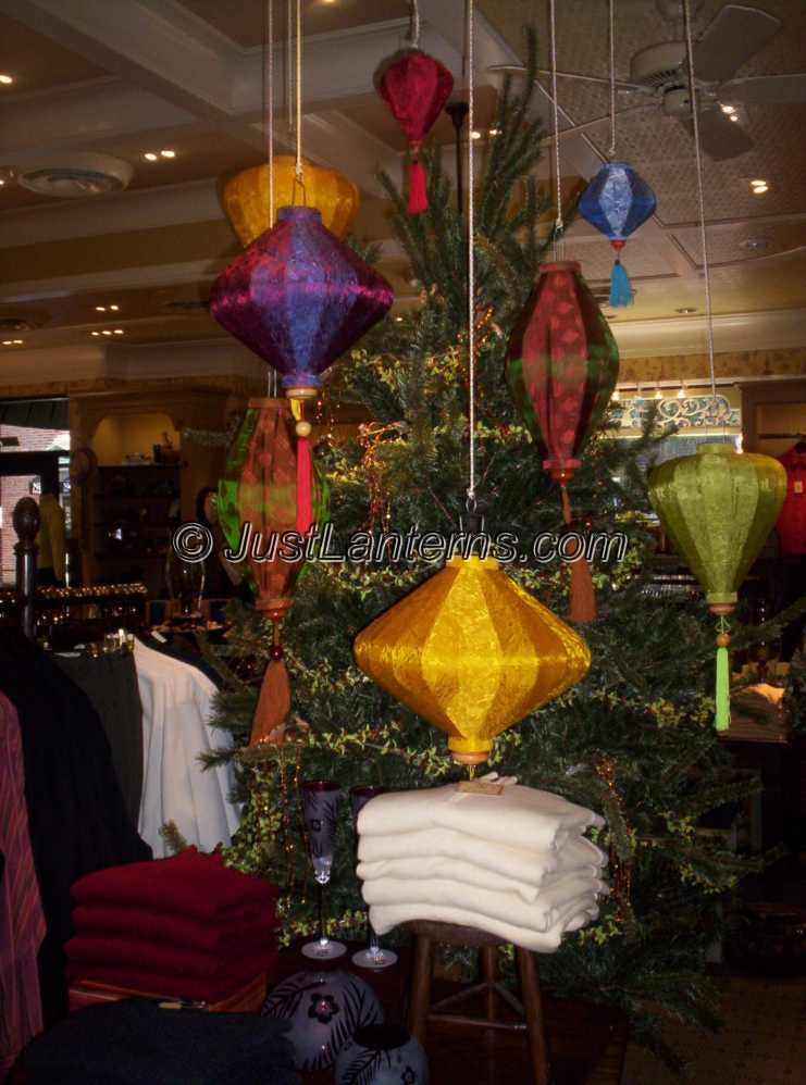 Lanterns and Xmas Tree
