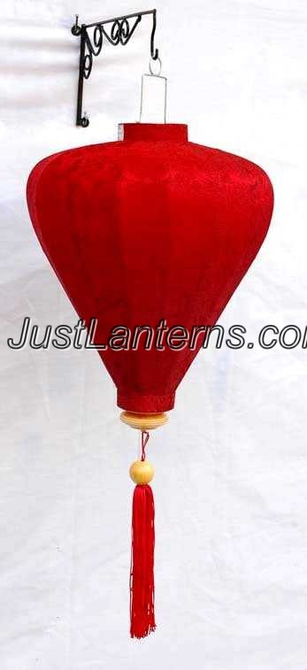 Vietnamese Lantern - Medium Garlic Red - D01S (AKA Chinese Lantern)