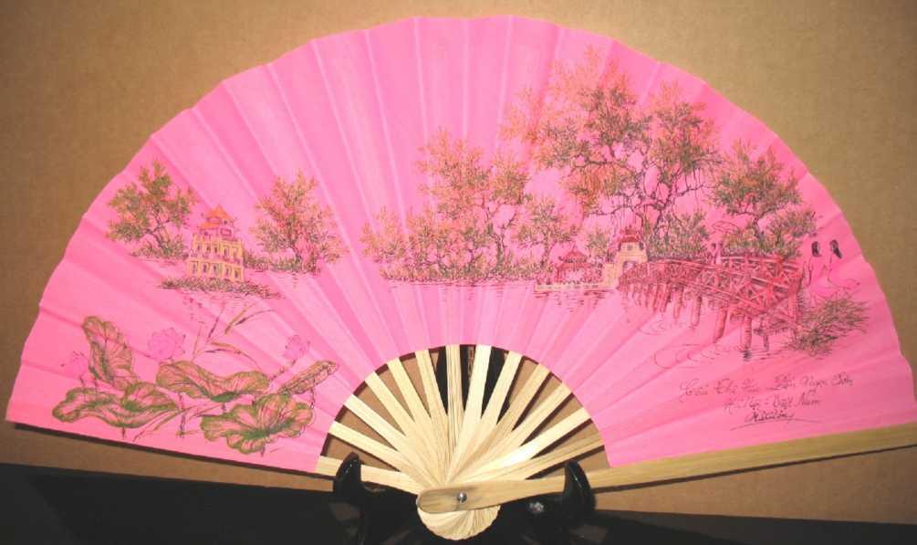 Hoan Kiem Lake/Pink